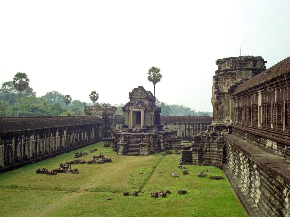Library in Angkor Wat, a building between the second and third enclosures