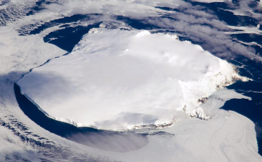 Bouvet Island from the north-east