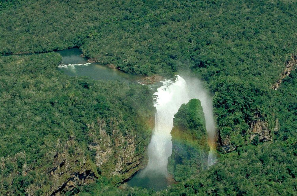Arcoiris Falls with rainbow, Bolivia