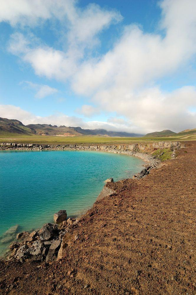 Grænavatn - lake with the weird color, Iceland