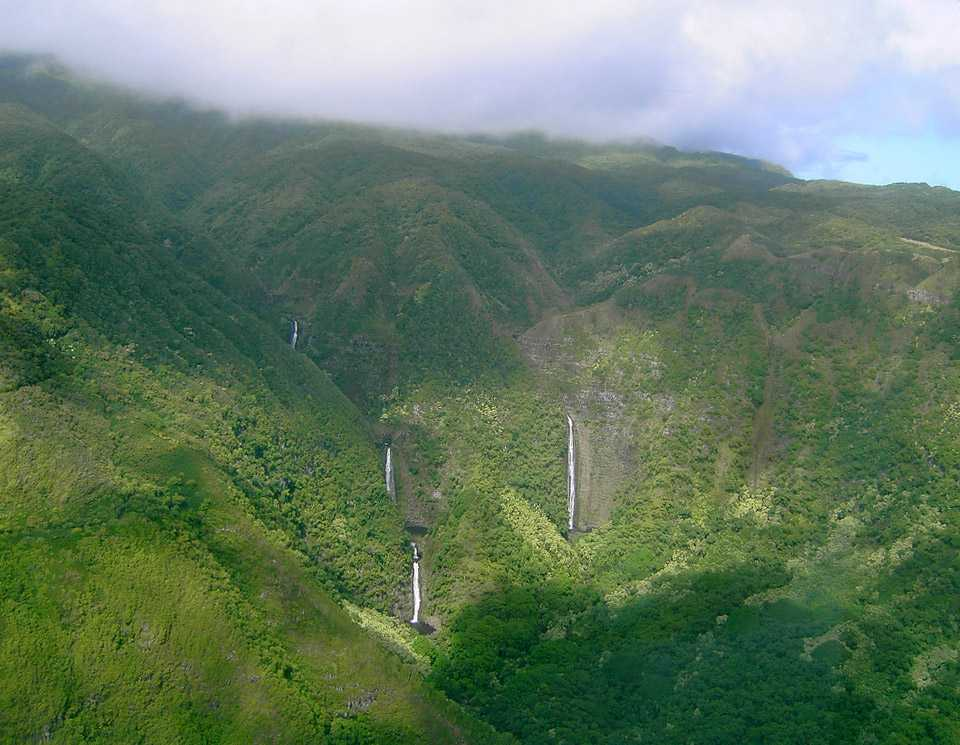 Halawa Valley with Moa'ula (to the left) and Hipuapua Falls (to the right)