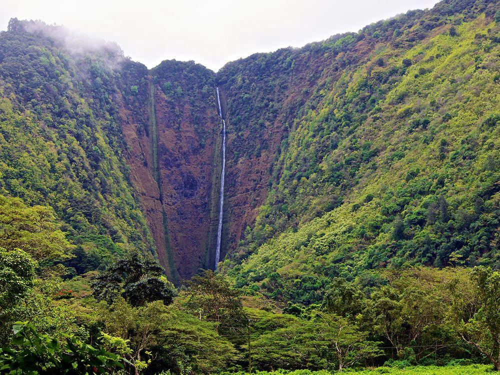 Hiilawe Waterfall, Hawaii