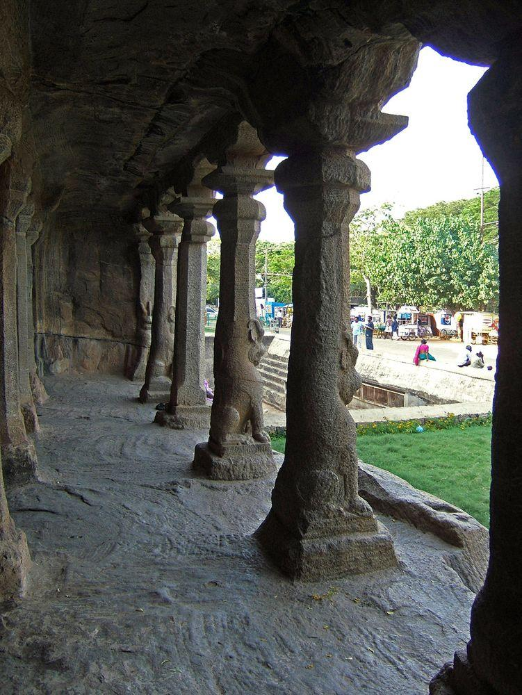 Columns, Krishna Mandapam in India