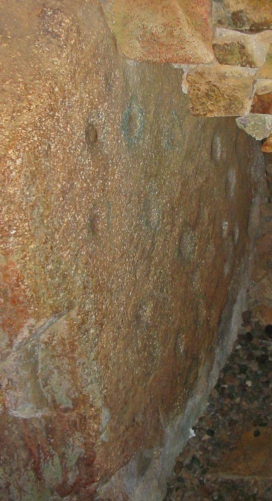 La Hougue Bie, cupmarks in stone No 41.