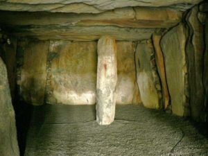 Le Déhus passage grave in Guernsey, interior