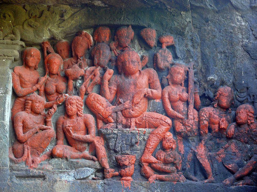 Lonad Caves, sculptures depict scenes from the history of Buddhism