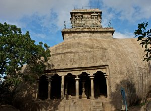 Mahishasura Mardini Cave temple with Olakneswara Temple above, Tamil Nadu