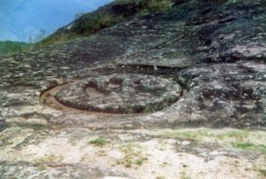 Samaipata, ring shaped incision in the cliff