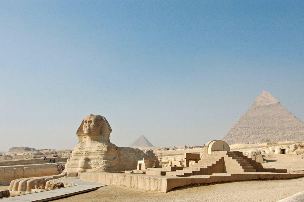 Great Sphinx, pyramids and Sphinx Temple in the forefront