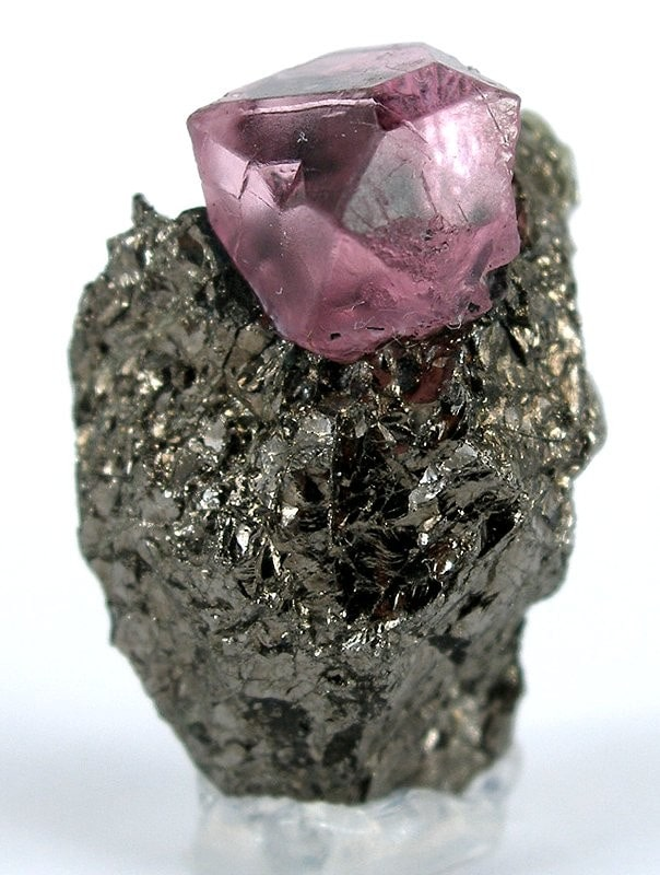 Spinel from Kuh-i-Lal mine, Tajikistan