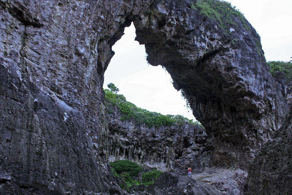 Talava natural arch and sinkhole, Niue