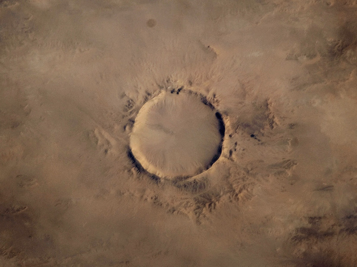 Tenoumer crater in Mauritania, December 2008