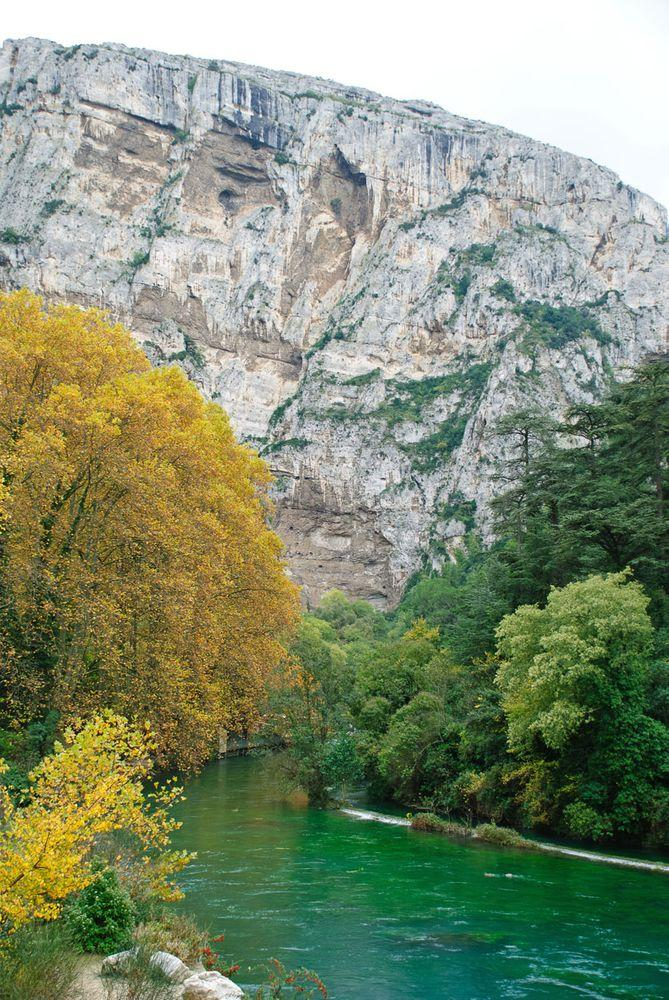 Sorgue stream formed by Fontaine de Vaucluse, France