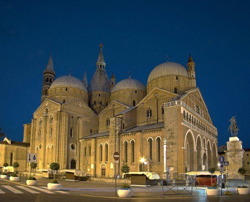 North-west view on Basilica of Saint Anthony of Padua