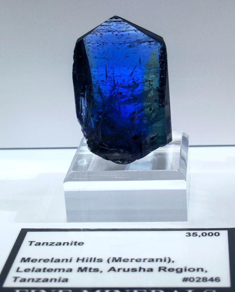 Gorgeous sample of tanzanite