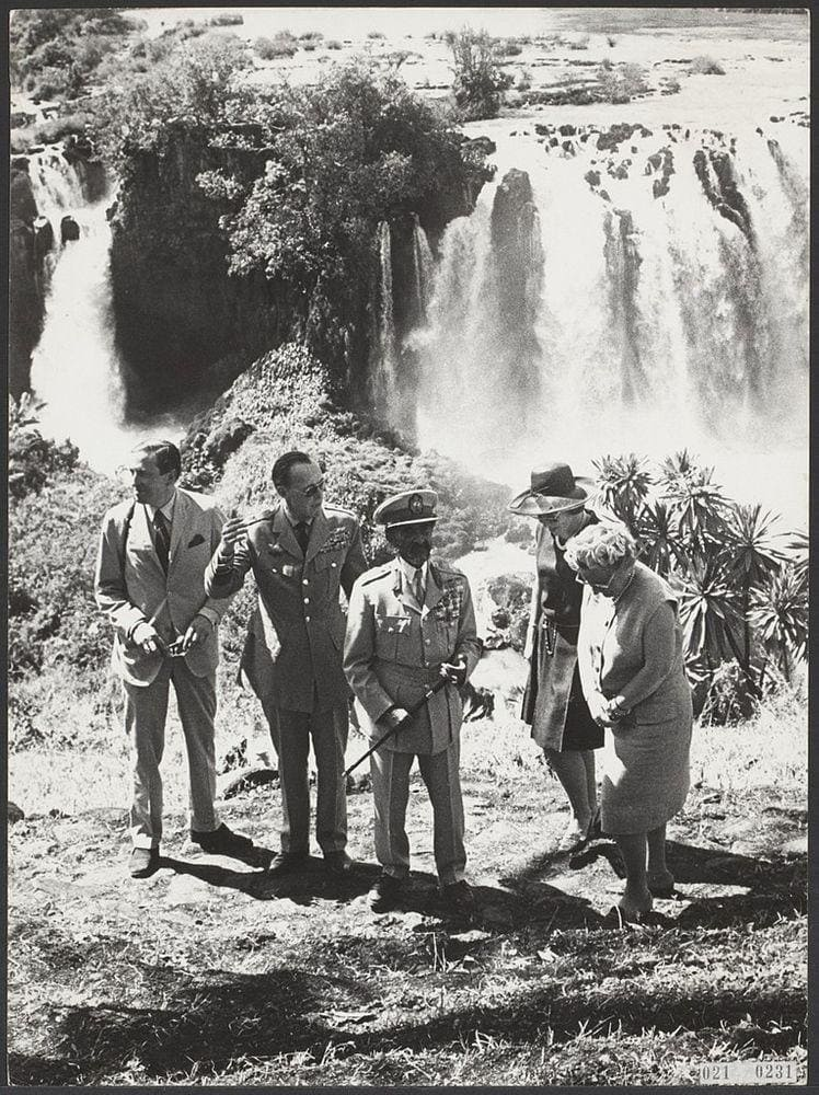 Royal families of Netherlands and Ethiopia at the Tis Abay Falls, 1969