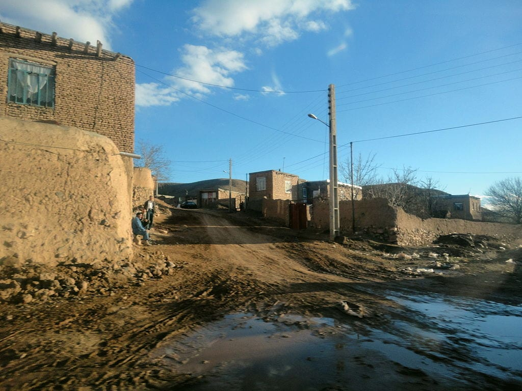 The beautiful turquoise has not brought prosperity to Ma'dan - mining village