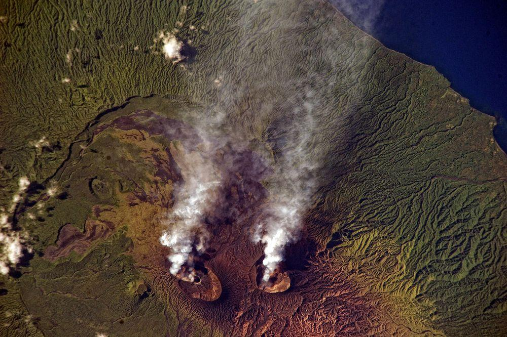 Plumes of ash from Benbow and Mbwelesu craters, December 2013