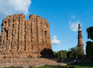 The unfinished Alai Minar and Qutb Minar