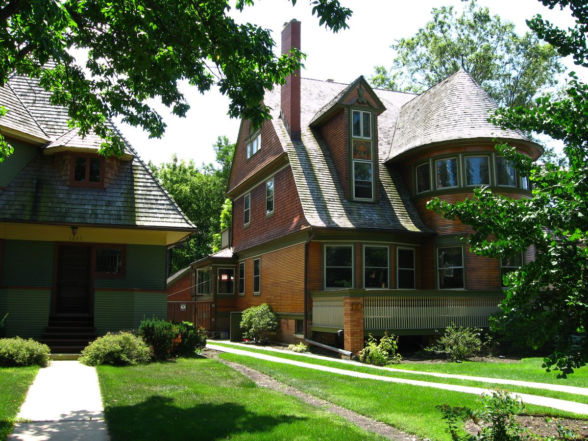 Walter H. Gale and Thomas H. Gale Houses in Frank Lloyd Wright Historic District